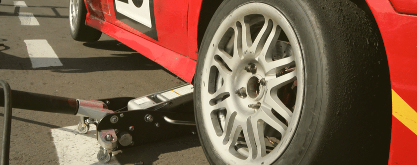How To Change A Tyre Of A Flat Car